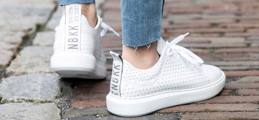Witte sneakers wit houden doe je zo