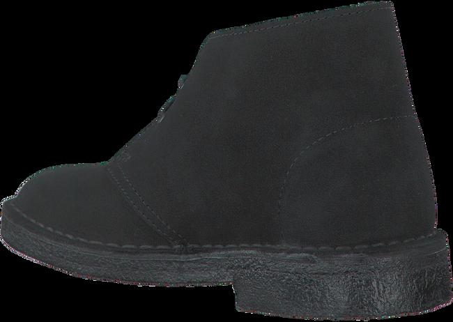 CLARKS Bottillons DESERT BOOT DAMES en noir - large