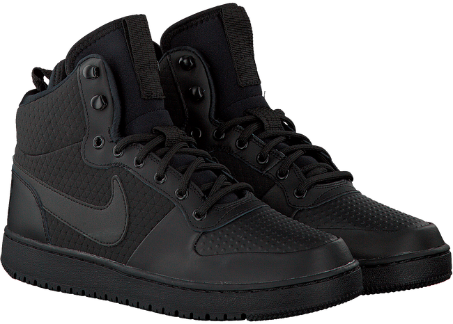 NIKE Baskets COURT BOROUGH MID WINTER en noir - large