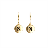 ALLTHELUCKINTHEWORLD Boucles d'oreilles CHARACTER EARRINGS LETTER en or - medium