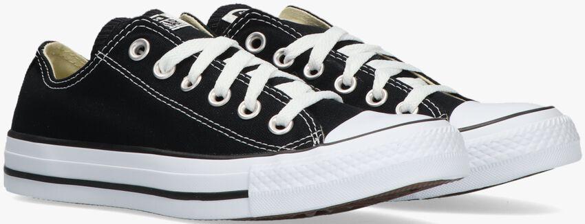 CONVERSE Baskets OX CORE D en noir - larger