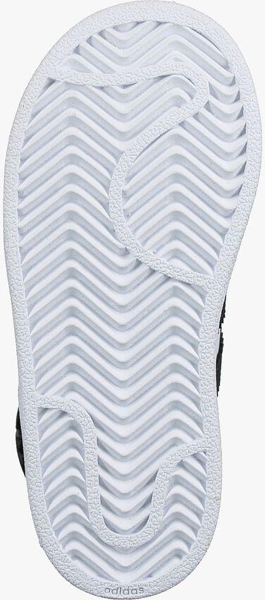 ADIDAS Baskets SUPERSTAR I en blanc - larger