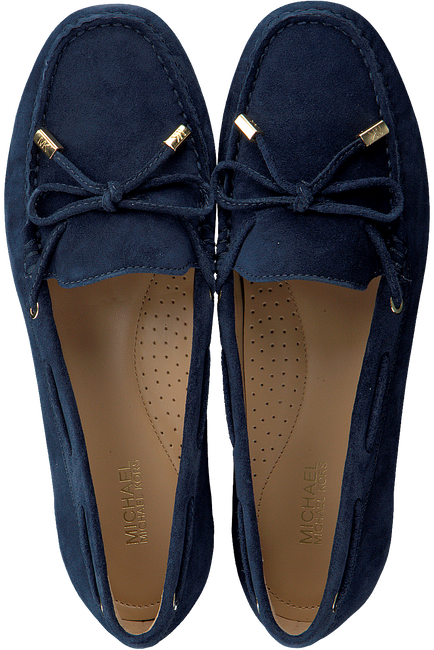 MICHAEL KORS Mocassins SUTTON MOC en bleu - large