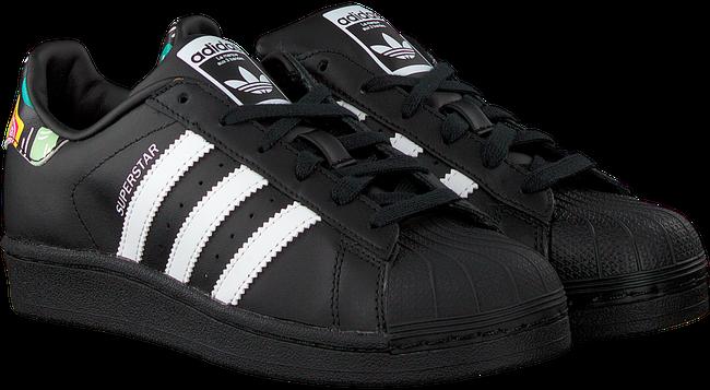 ADIDAS Baskets SUPERSTAR J en noir  - large