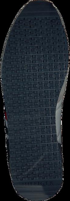 TOMMY HILFIGER Baskets basses ICONIC RUNNER en gris  - large