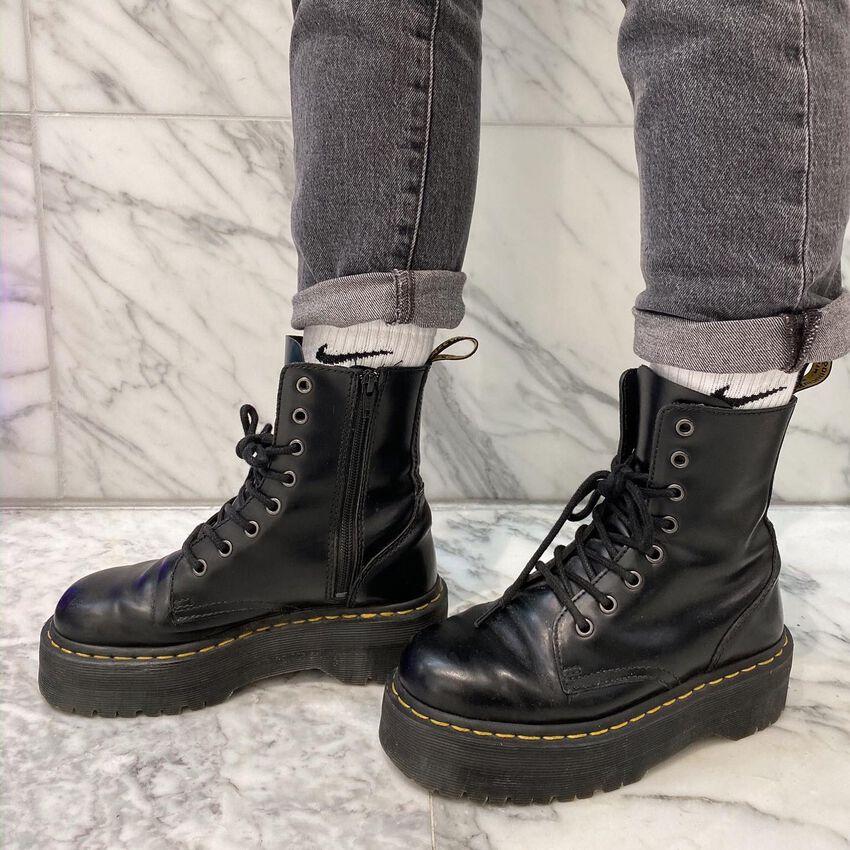 DR MARTENS Bottines à lacets JADON en noir - larger