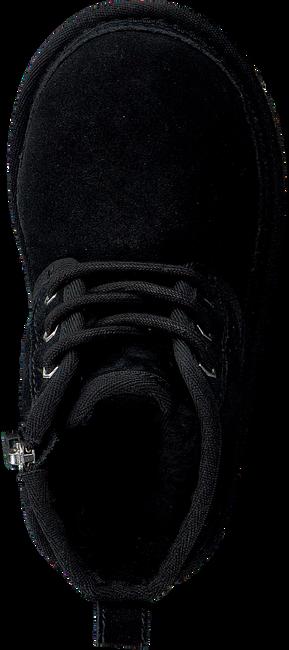 UGG Bottines à lacets NEUMEL en noir - large
