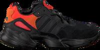 ADIDAS Baskets YUNG-96 C en noir  - medium