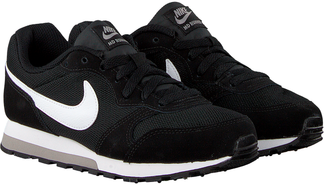 NIKE Baskets MD RUNNER 2 (GS) en noir - large