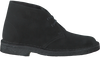 CLARKS Bottillons DESERT BOOT DAMES en noir - small
