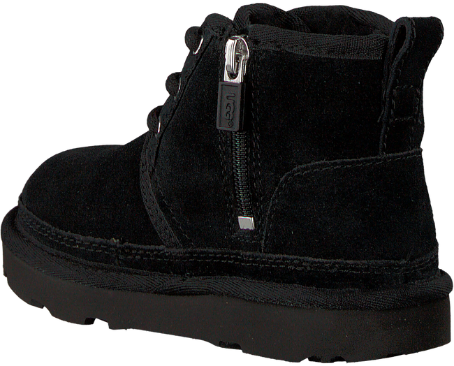 UGG Bottines à lacets NEUMEL en noir - large
