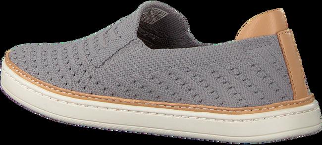 UGG Chaussures à enfiler SAMMY CHEVRON en gris  - large