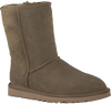 UGG Bottes fourrure CLASSIC SHORT en marron - small