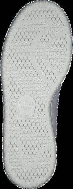 ADIDAS Baskets STAN SMITH J en blanc - large