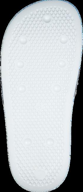 ADIDAS Claquettes ADILETTE LITE J en blanc  - large