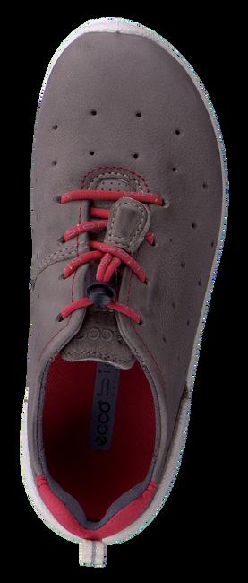 ECCO Chaussures à lacets 702022 en gris - large