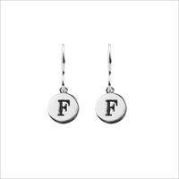 ALLTHELUCKINTHEWORLD Boucles d'oreilles CHARACTER EARRINGS LETTER en argent - medium