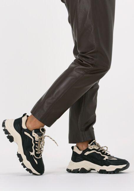 Zwarte BRONX Lage sneakers TAYKE-OVER 66366  - large